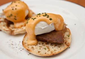 Eggs Benedict with Pork Belly_2